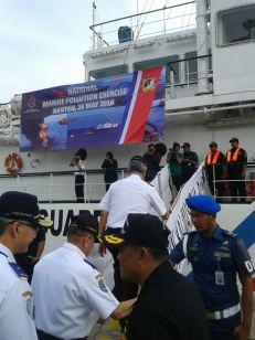 Bapak dirjen perhubungan laut bersama bapak Dir.KPLP beserta rombongan naik diatas KN. Kalimasadha P-115 (dok pribadi)