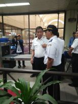 pak Menteri Jonan berada di Bandara Hang nadim BATAM sehabis dari Sekupang (dok pribadi)